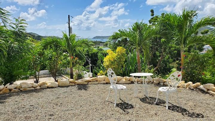 Hibiscus Ocean View Suite