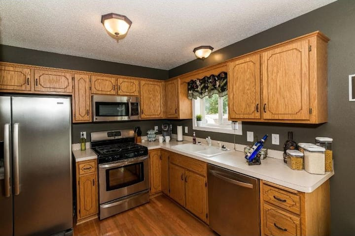 Upper level:Private two bedrooms living & Kitchen