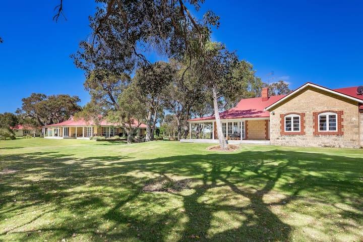 Caves Road Guest House 1
