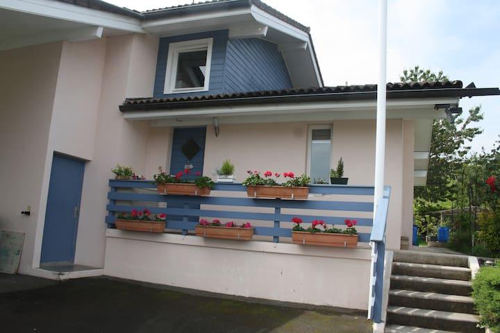 L'Abri Côtier Lugrinois près EVIAN LES BAINS - Lugrin - บ้าน
