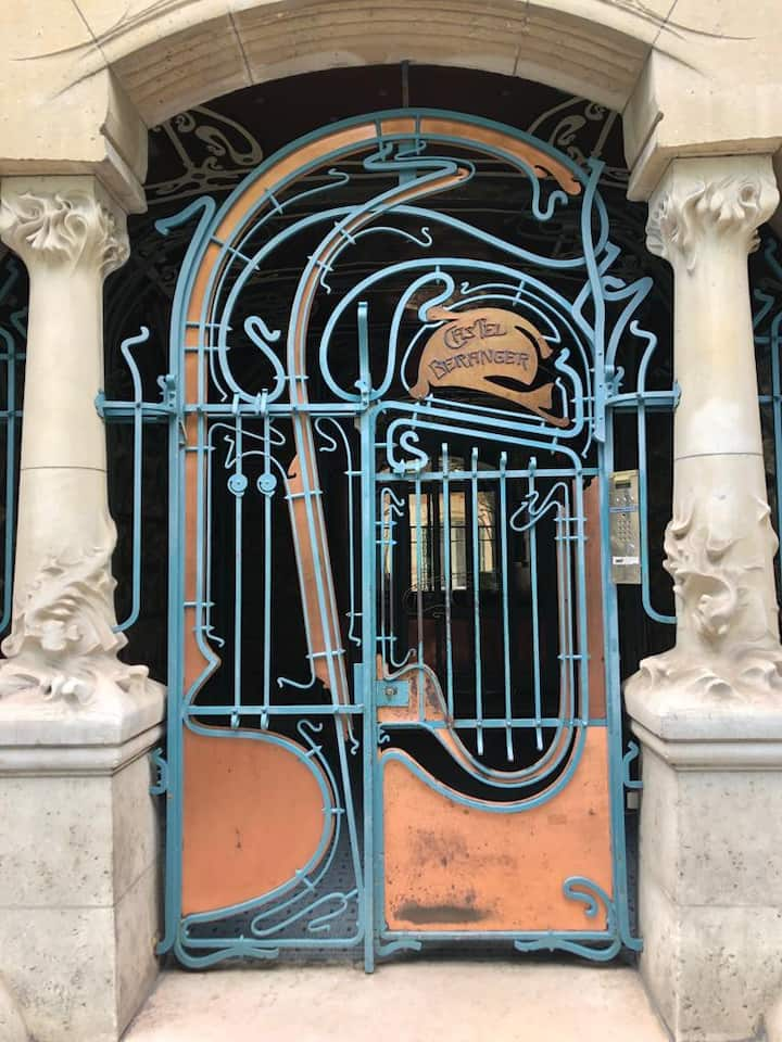The first Art Nouveau building in Paris
