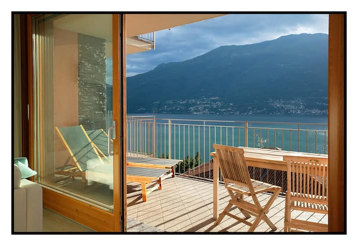 Apartment with panoramic view Lake Como