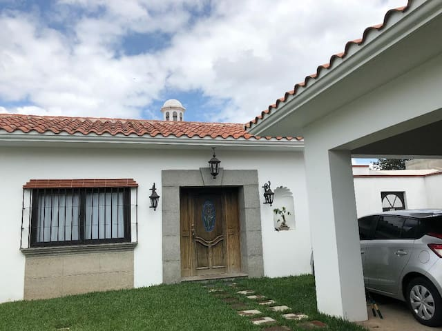Airbnb 8a Avenida A 2 44 Vacation Rentals Places To