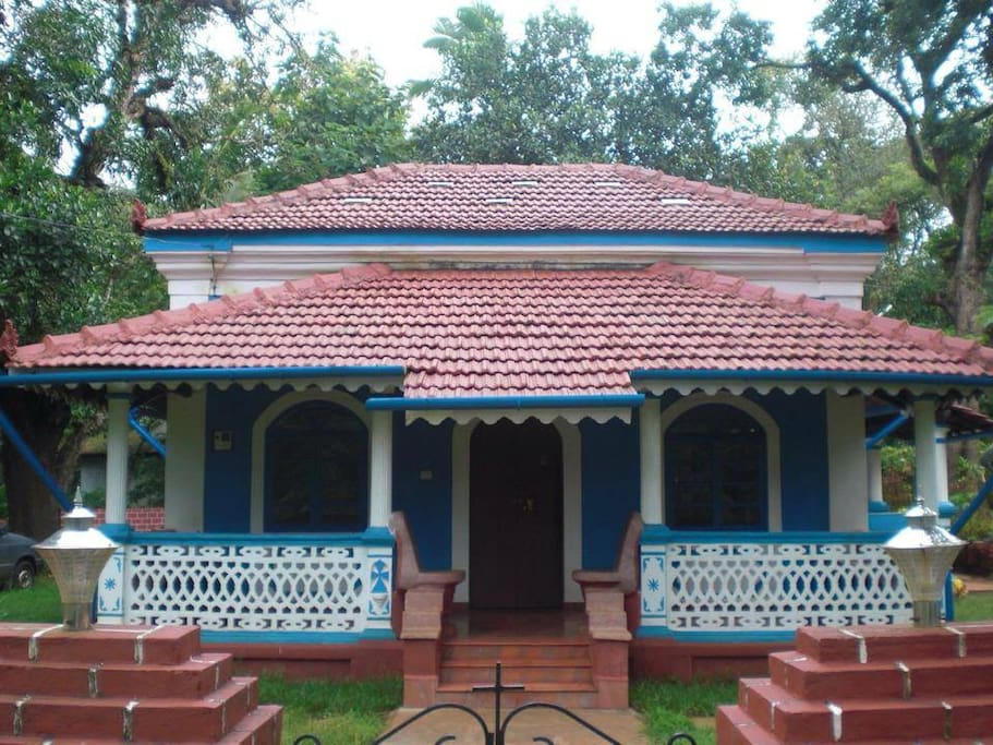 Charming Villa With Garden In Corjuem North Goa Houses