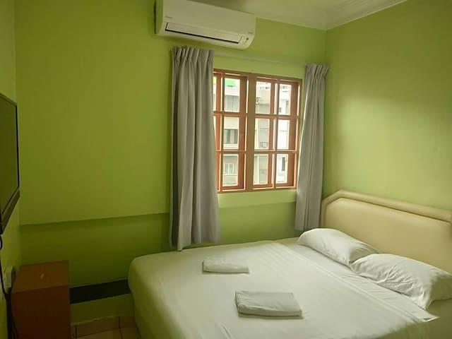 Borneo Gaya Lodge (1 Queen Bed/Private Bathroom)