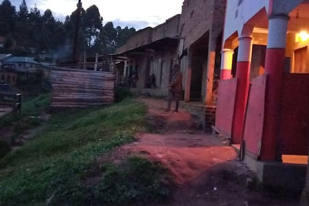 Nkuringo Home Stay