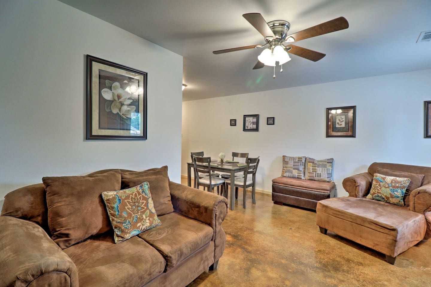 Retreat to this 3-bed, 2-bath vacation rental apartment after a day in Conway!