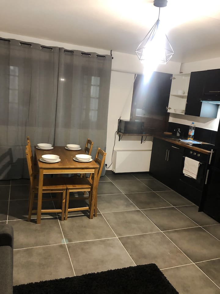 Appartement neuf et moderne face gare St Charles