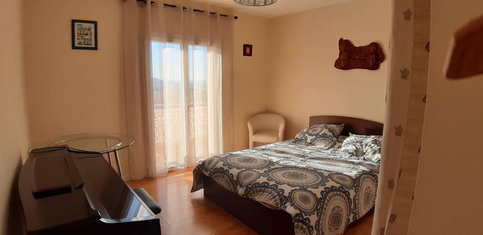 Chambre dans villa vue mer