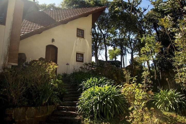 Casa Rústica no alto da Serra