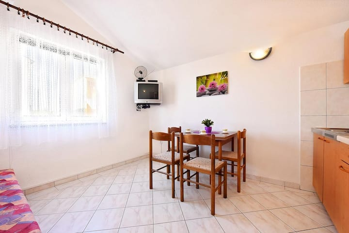 One bedroom apartment with air-conditioning Vodice (A-11835-b)