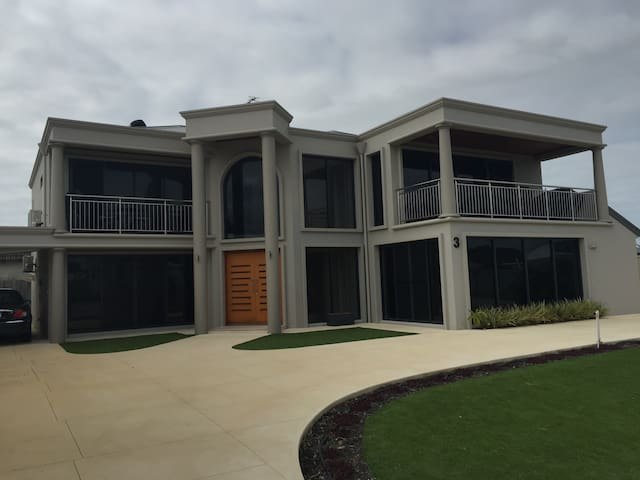 Ocean View Executive Apartments - Geographe - Pis