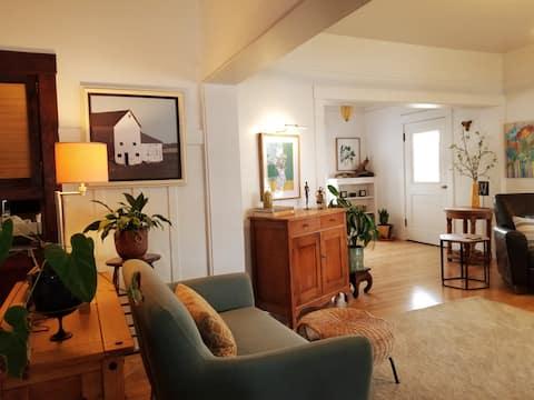 The Blue Door Cottage - Vintage meets Modern