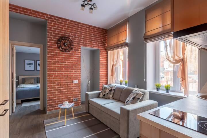 Lovely apartment on Semenovskaya. 2 min to Arbat