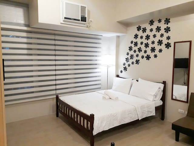 Cozy & spacious unit in Eastwood w/ Fast Internet