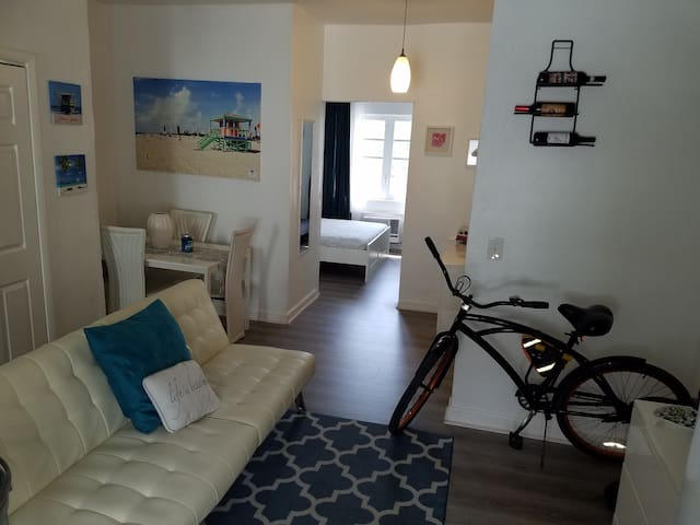 SoBe 1Br • Sleeps 4 near Ocean w/ airport pick up - Miami Beach - Apartament