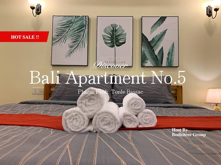 19A7_BigApartment/Independence Monument