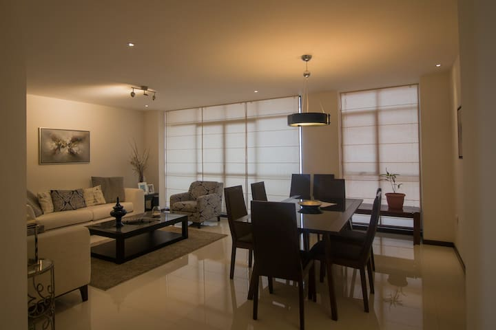 Bright modern 180 sq mts, new apartment - Sucre - Apartment