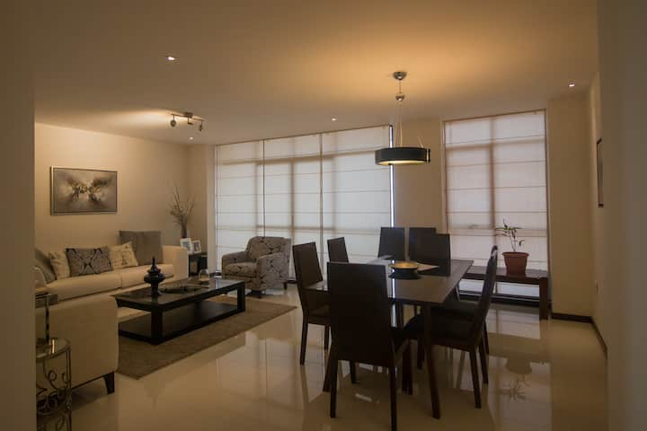 Bright modern 180 sq mts, new apartment
