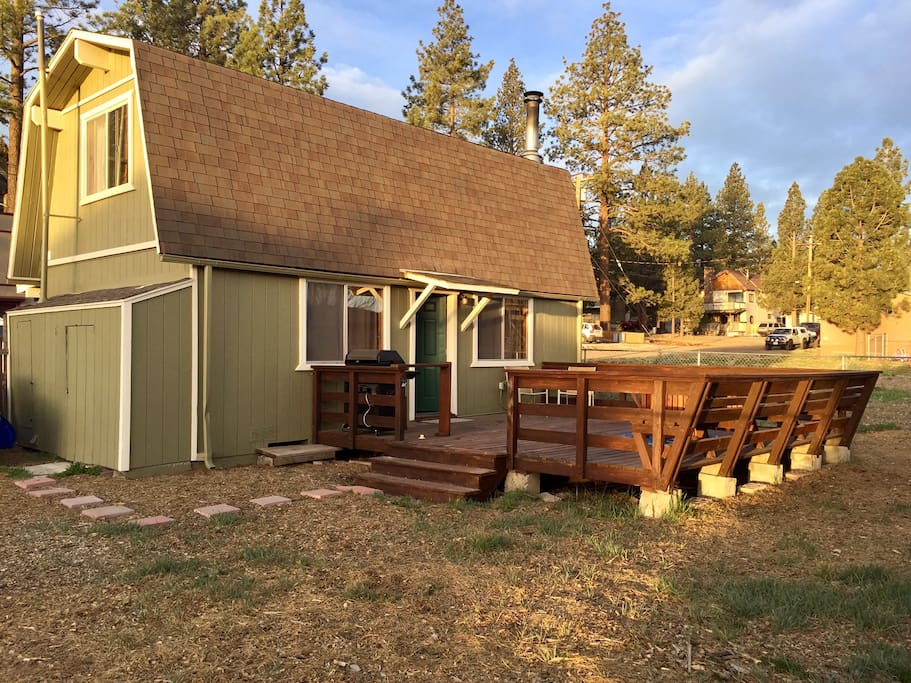 Mountain cabin with updated kitchen cabins for rent in for Airbnb cabins california