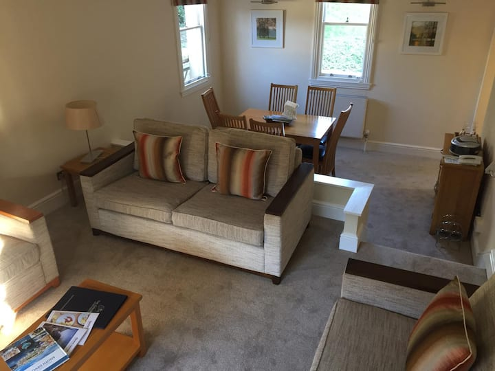 The Osborne Apartments - Apt 06 - 2 Bedroom