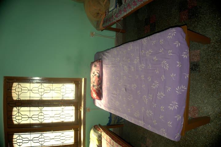 SPACIOUS  ROOM IN SALT LAKE NEAR SECTOR 5 - Kolkata - Hus