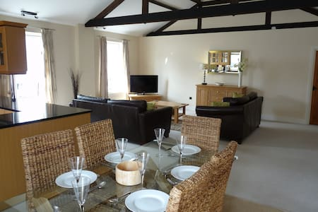 Luxury Victorian Apartment for Five Guests - Havant - อพาร์ทเมนท์