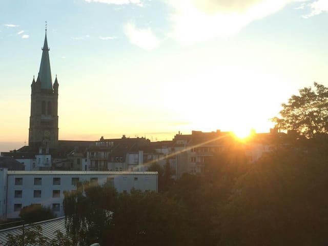 Charming room with a view on the city,own bathroom - Aachen - Departamento