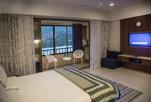 Lavasa Luxury Lake View Studio