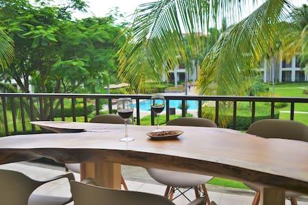 Tropical View / Coco Beach Paradise Condo - Lakás