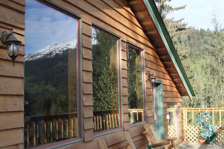 Mountain Greenery Chalet - Haines - House