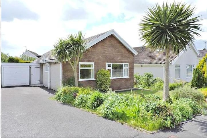 Bungalow 10 min walk from beaches. - Bishopston
