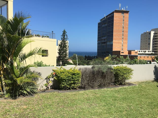 Modern Apartment with Sea Views, 150m from Beach - Umhlanga - Lägenhet