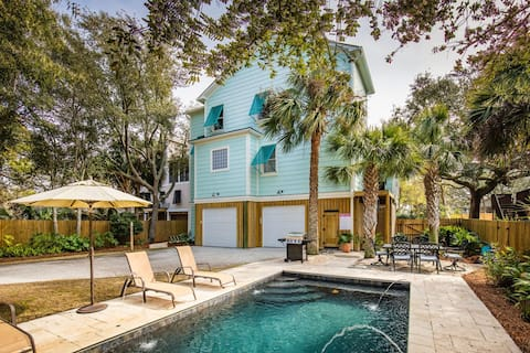 Luxury Home, Heated Pool, Grand Porches, 1 Block to Beach!