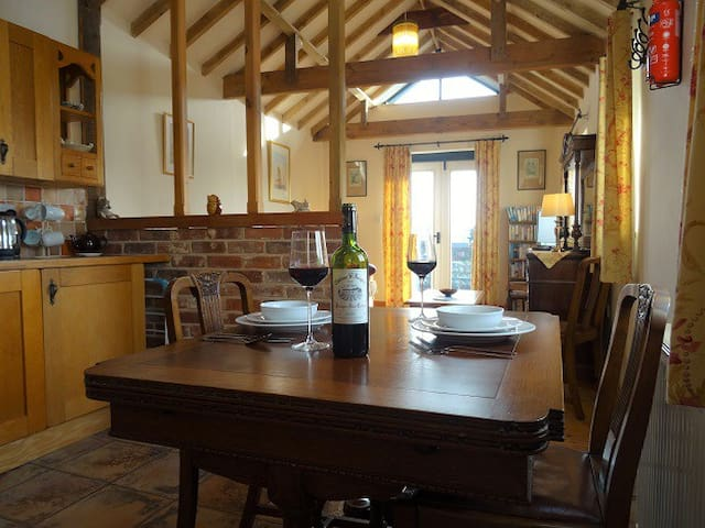 Pheasant Barn Holiday Cottage - Forncett Saint Mary - Hus