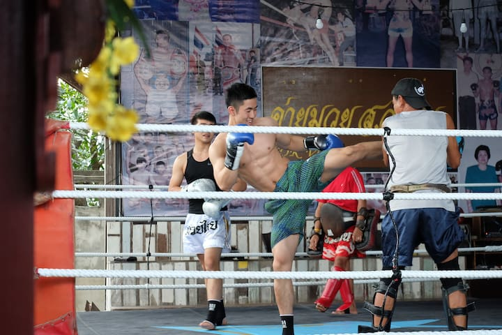 Sor Vorapin Muay Thai Home + ( Training & Food ) - Bangkok - Dom