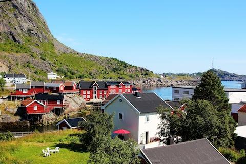 Roy Finstad Å-veien 8. 8392 Sorvagen Norway