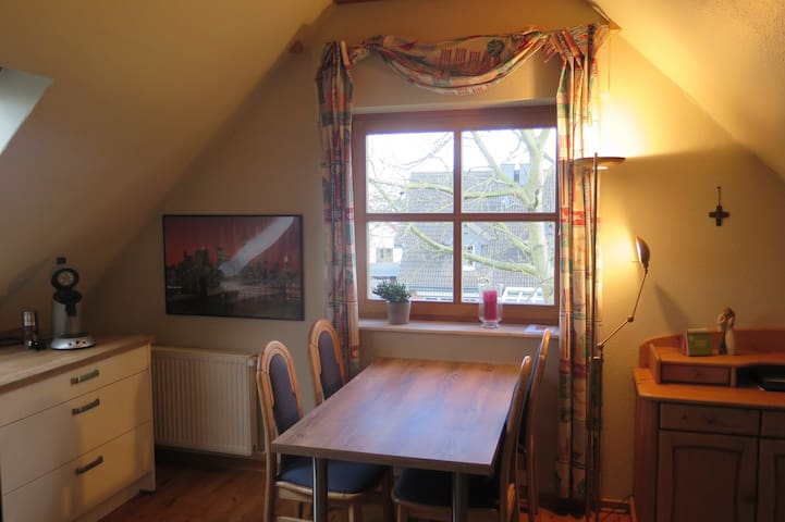 Comfortable, cosy, complete appartment - Langenberg - Byt