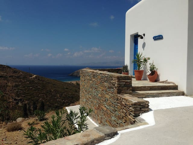 COUNTRY HOUSE – FACING THE SEA - Andros - Dom