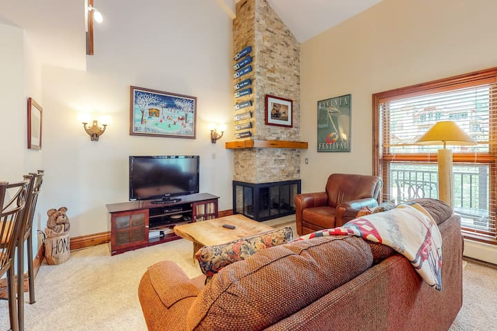 Elegant ski-in/ski-out condo with loft, balcony, and shared pool & hot tubs!