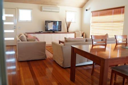LUXURY PENTHOUSE- 2 BEDROOMS - Apollo Bay - Villa
