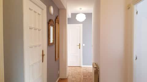 Modern single room in Madrid City