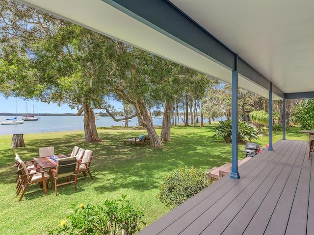 Kalimna House- Lakeside Living @ Summerland Point
