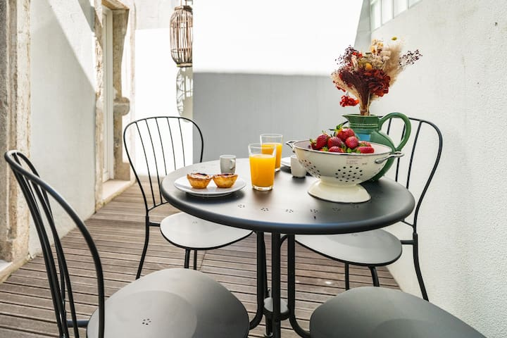 Have a lovely breakfast outdoors!!
