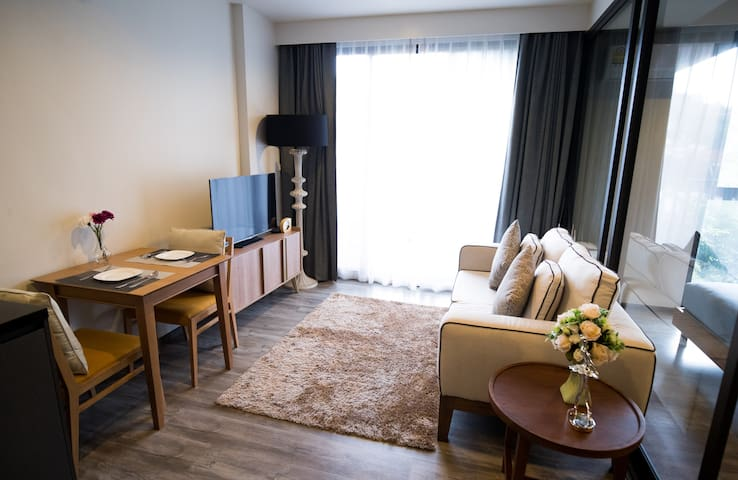 Luxury One bedroom - 0.8KM to Patong Beach!! #SS61