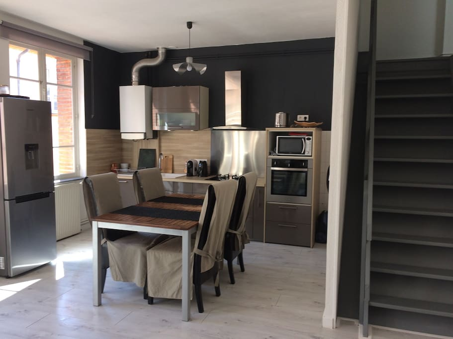 en plein centre historique avec garage appartements louer montauban languedoc roussillon. Black Bedroom Furniture Sets. Home Design Ideas