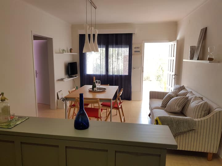 Modern&cosy apartment at 350m from the beach