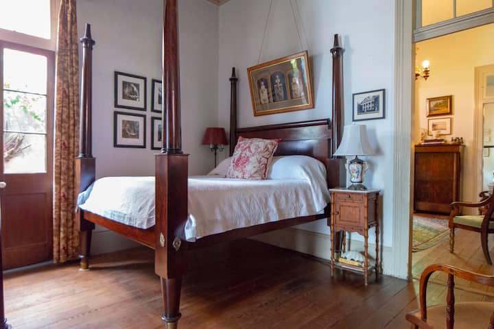 ❤️ Historic Bourbon Street Cottage; French Quarter