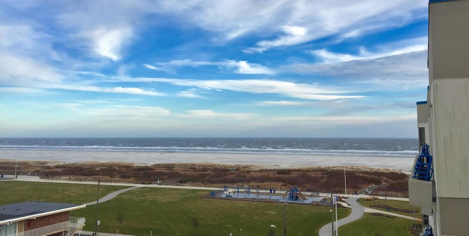 Oceanview Wildwood Crest Penthouse Level Condo - Wildwood Crest