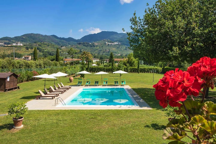 FIENO - apartment with pool, WiFi and A/C. Lucca.